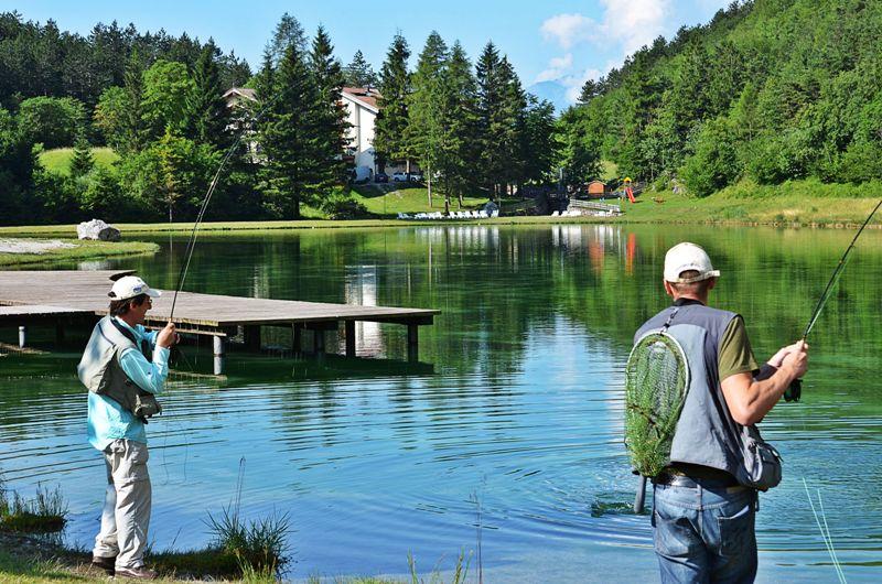 Pesca nel lago di nembia trentino for Quali pesci mettere nel laghetto